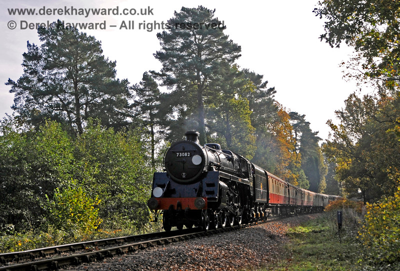 73082 Camelot approaches Birch Farm foot crossing. 31.10.2015 13957