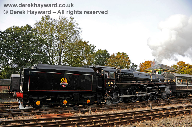 73082 steams south from Horsted Keynes. 25.10.2015 13897