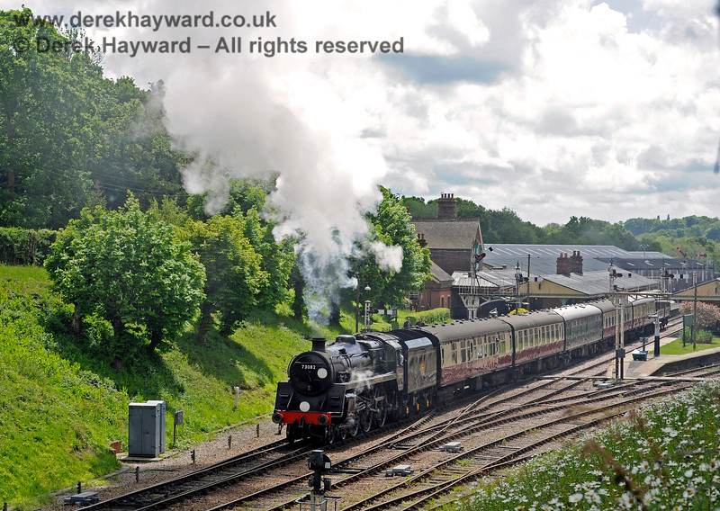 73082 Camelot steams north from Horsted Keynes. 20.05.2017 15359