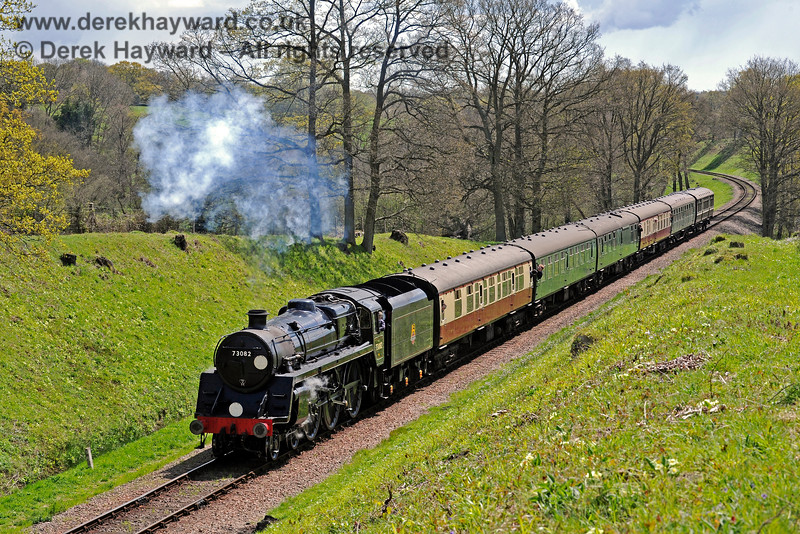 73082 enters the cutting south of Three Arch Bridge. 30.04.2016 12909