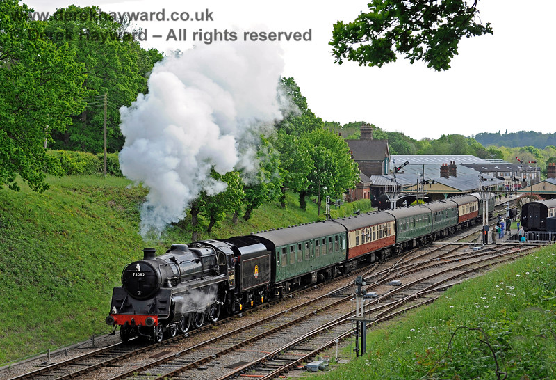73082 steams north from Horsted Keynes. 14.05.2016 13163