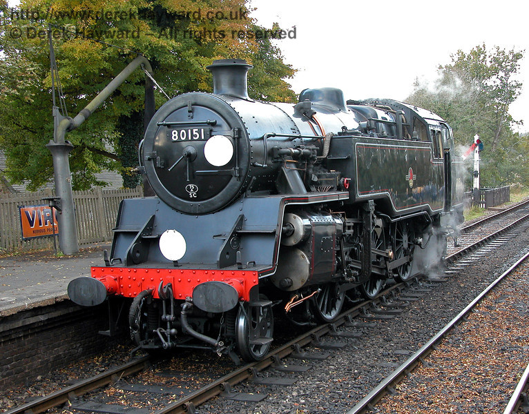 80151 takes water at Sheffield Park. 28.10.2003