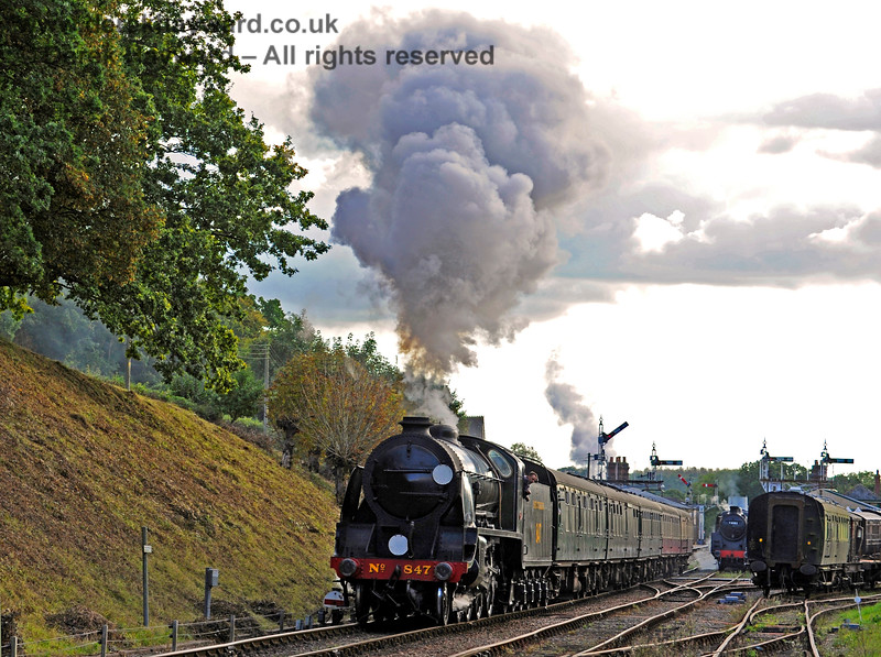 847 steams north from Horsted Keynes. 02.10.2016 14134