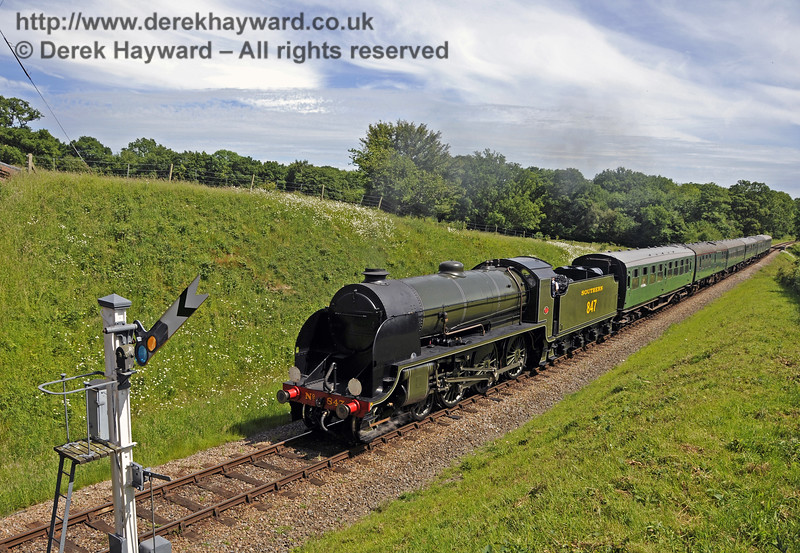 847 approaches Caseford Bridge.  08.06.2014  10649