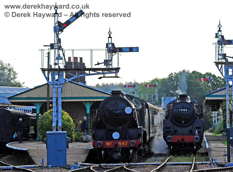 In the days before the track was renewed 847 and 73082 wait in Platforms 2 and 3 at Horsted Keynes. 02.10.2016 14120