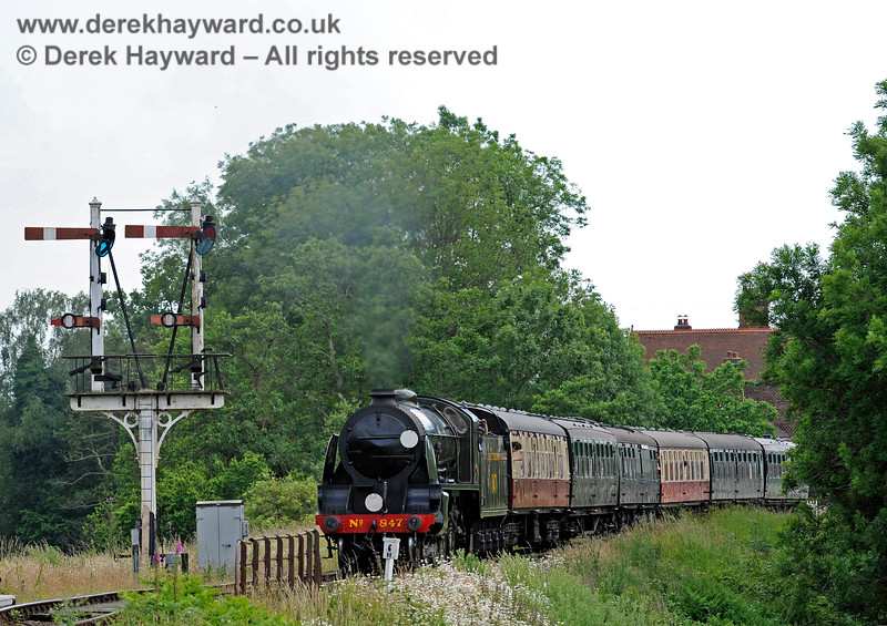 847 pulls out of Sheffield Park. 27.06.2015 11508