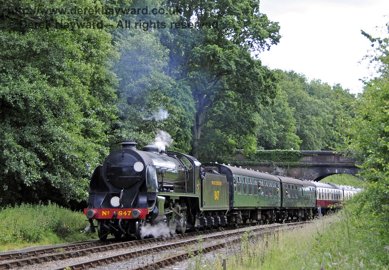 847 steams north from Leamland Bridge.  29.06.2014  10949