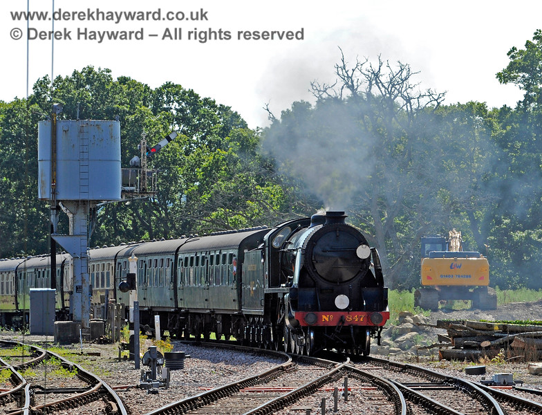 847 approaching Horsted Keynes. 22.08.2015 11947