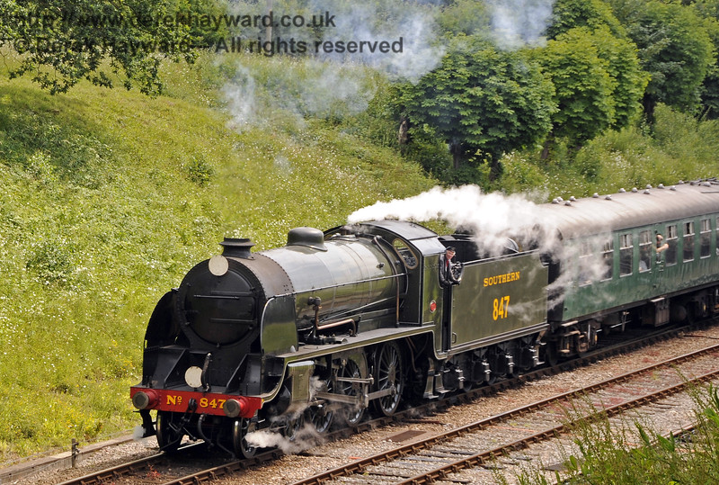 847 leaves Horsted Keynes.  28.06.2014  10831