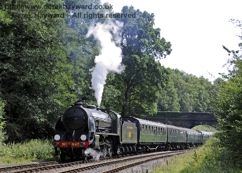 847 steams north from Leamland Bridge.  09.08.2014  11547