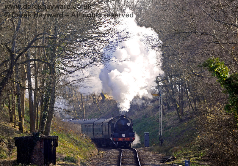 Black Hut is in the foreground as 847 passes the Horsted Keynes Outer Distant signal. 07.03.2015 10433