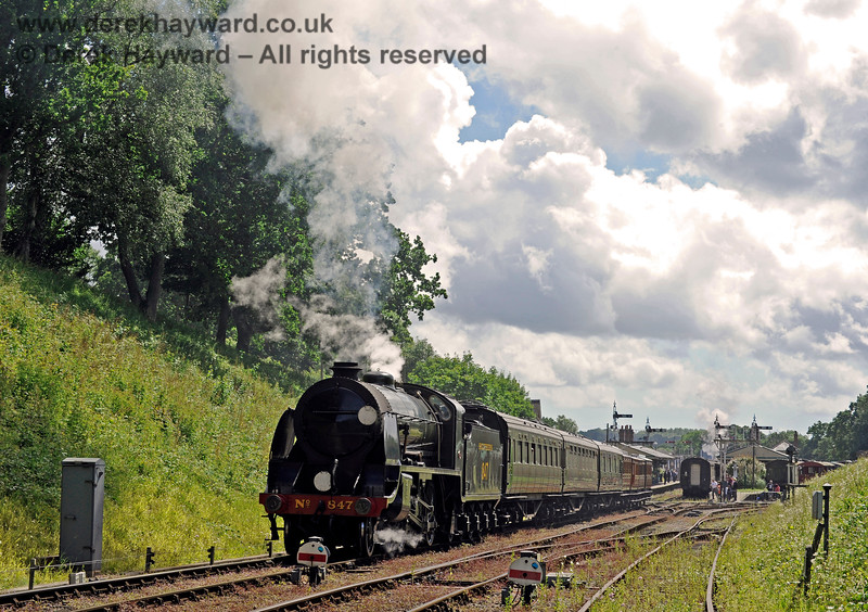 847 steams north from Horsted Keynes. 02.07.2016 13527