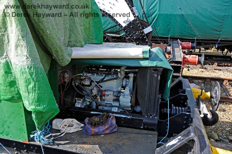 Working on the engine of Howard Petrol Locomotive 957 Britannia at Horsted Keynes.  24.09.2017 17954