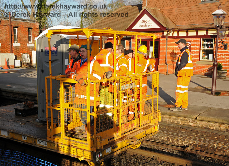 A large gang of Infrastructure personnel can cause a considerable queue for the convenience...  Sheffield Park  18.01.2011