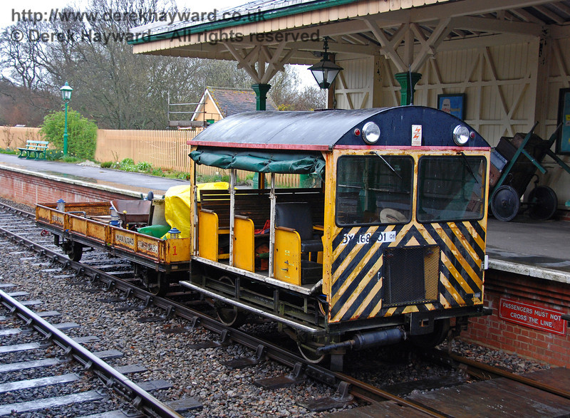 Type 18 Wickham trolley DXN68001.01 stands at Kingscote. 30.03.2008