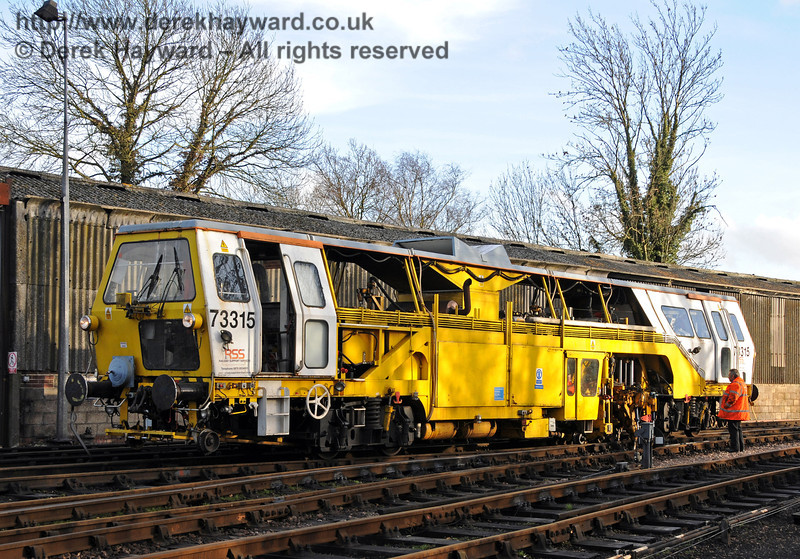 Tamper 73315 in action at Sheffield Park.  03.02.2011  5728