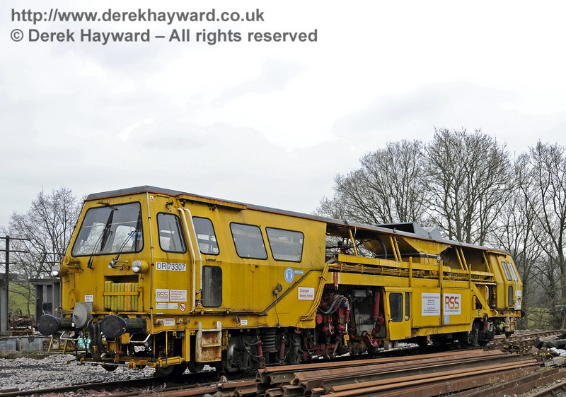 Tamper DR73307 in residence at Horsted Keynes.  14.03.2015  12045