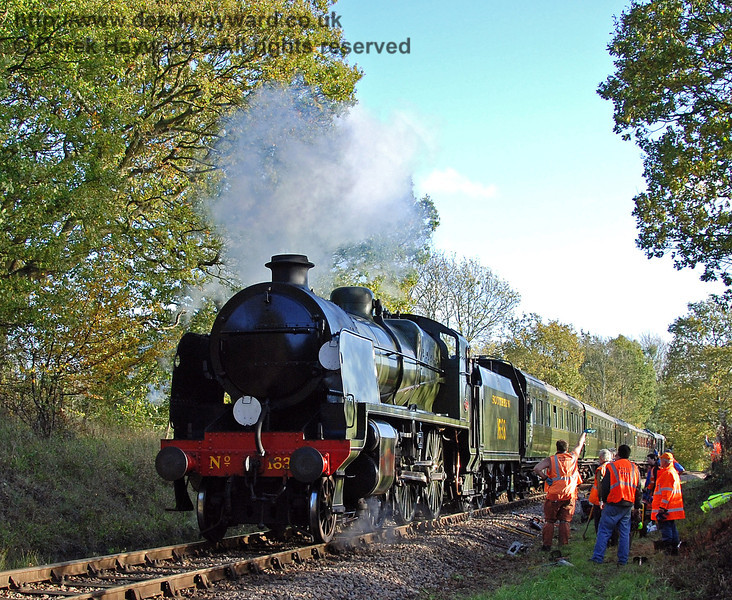 1638 passes the PW team near Vaux End. 25.10.2009