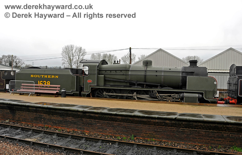 1638 on display at Sheffield Park. 24.01.2016 14500