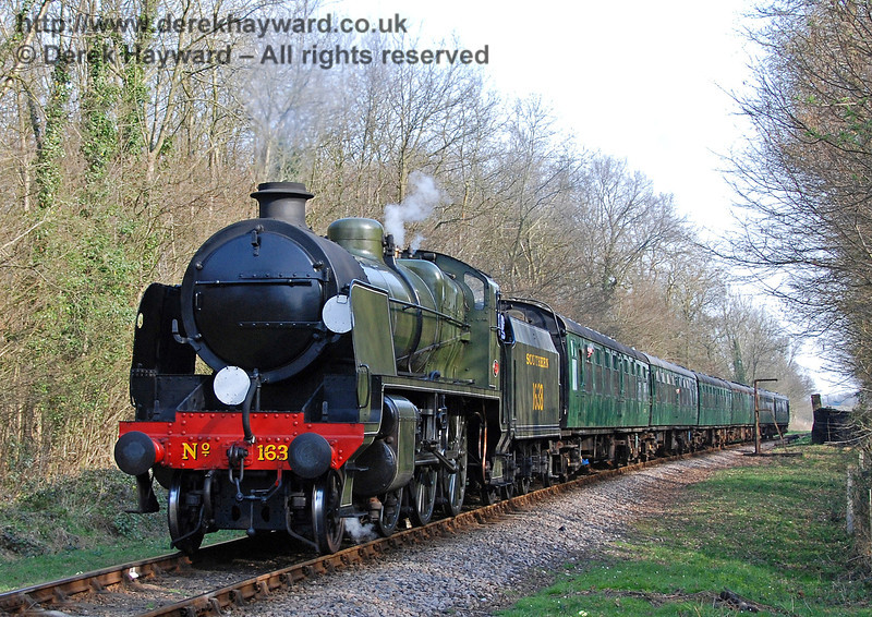 1638 steams away from Ketches Halt with a service train. 02.04.2007