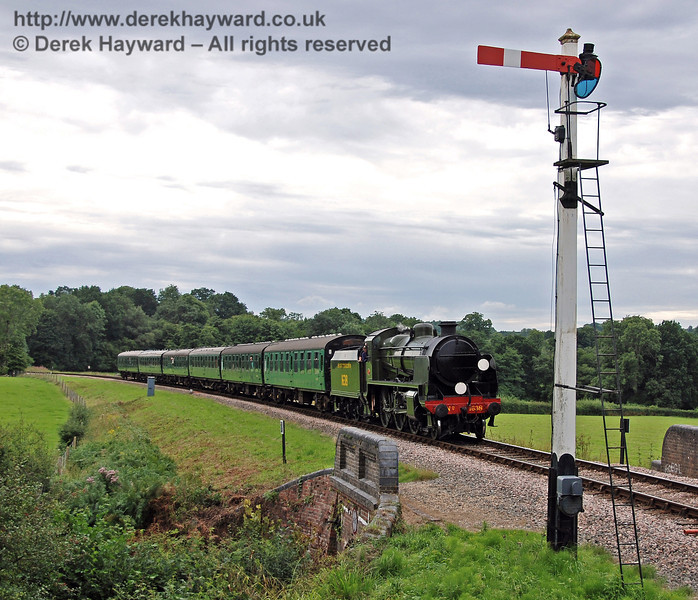 1638 approaches New Road Bridge with a service train. 16.08.2008