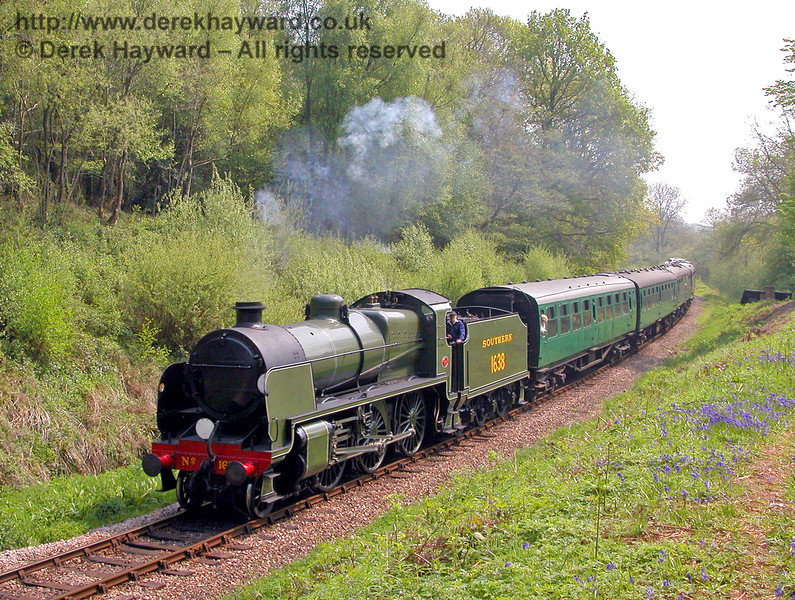 1638 coasts through Lindfield Wood. 10.05.2006