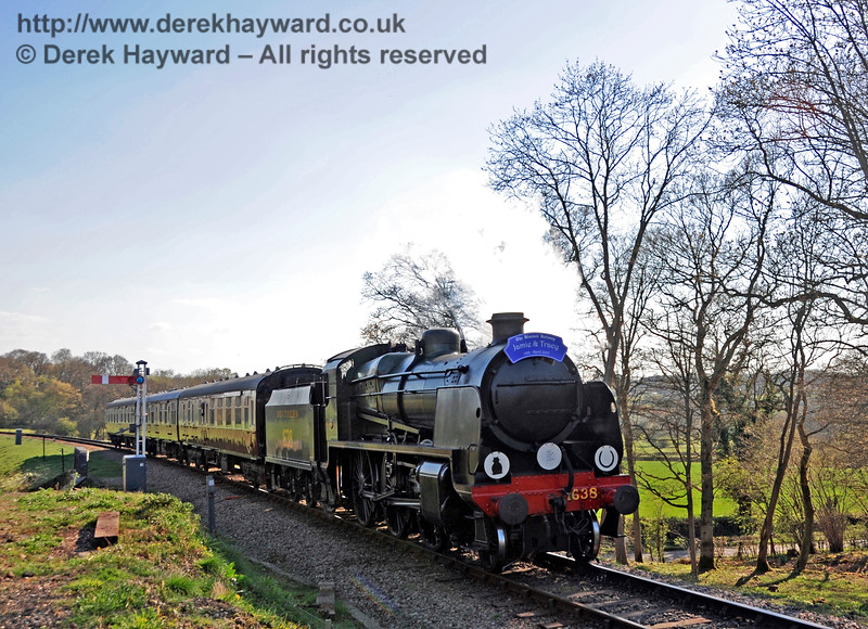 1638 passes over New Road Bridge with a Wedding Special.  18.04.2015  12300
