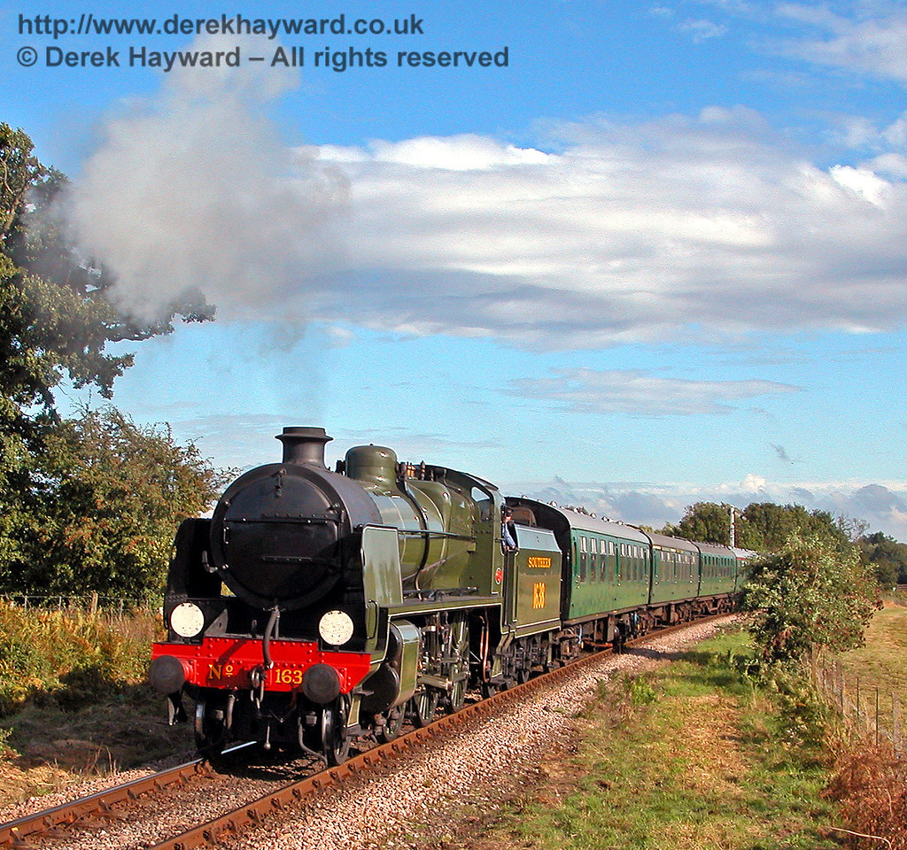1638 approaches Ketches Halt with a northbound service. 01.09.2006
