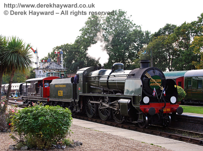 As an economy measure alternative stock has been provided for the Golden Arrow... Horsted Keynes 05.01.2007