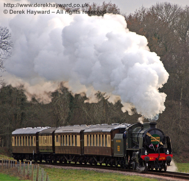 1638 approaches Horsted Keynes with the Golden Arrow.  01.12.2009
