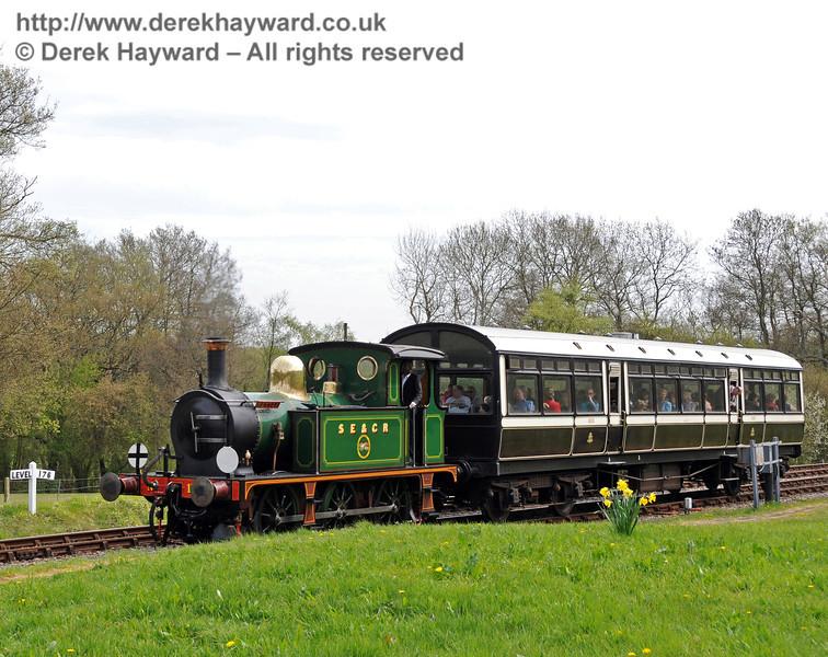 178 arrives at Kingscote. 28.04.2010  2036