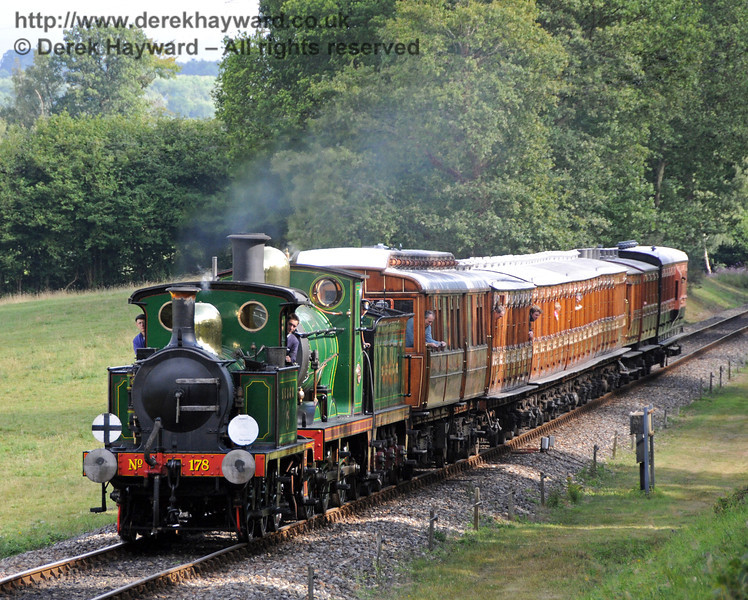 178 and 592 approach Kingscote.  07.08.2010  3793
