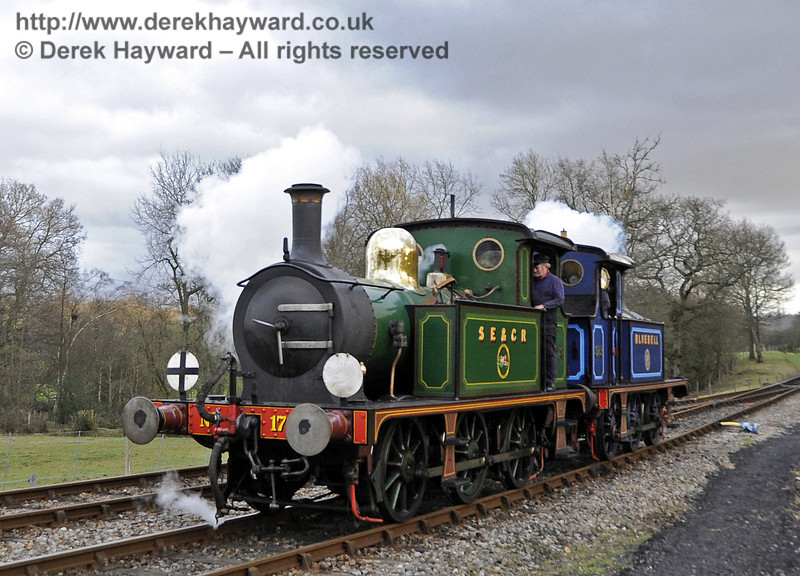 178 and 323 Bluebell run round at Kingscote.  21.01.2012  3524