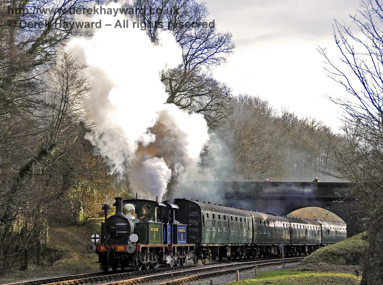 178 and 323 Bluebell steam north from Leamland Bridge.  21.01.2012  3494