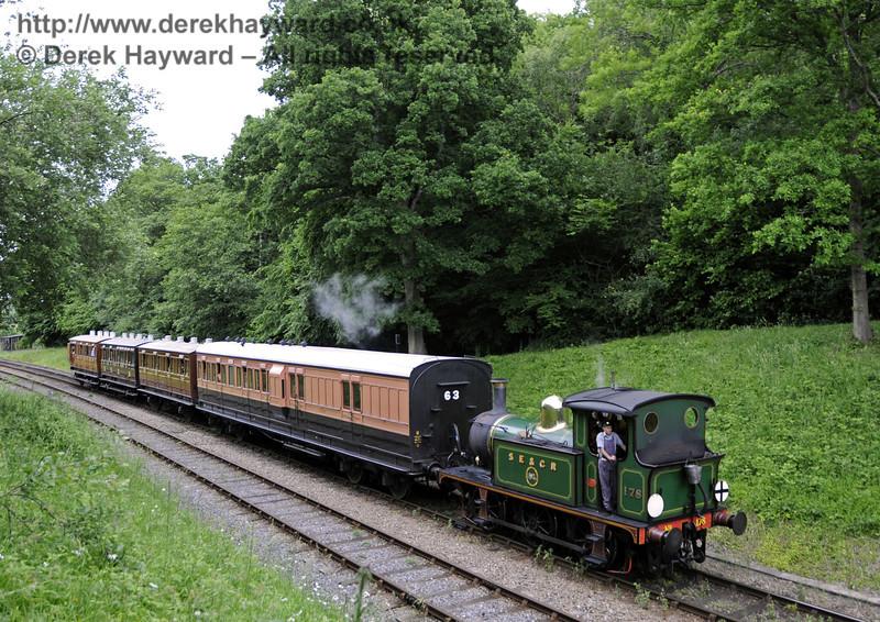 178 hauls a southbound train towards Leamland Bridge.  23.06.2013  9142