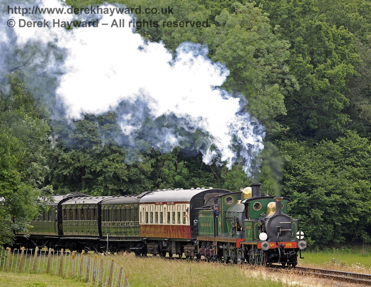 178 and 592 steam north from Three Arch Bridge.  28.06.2014  9718