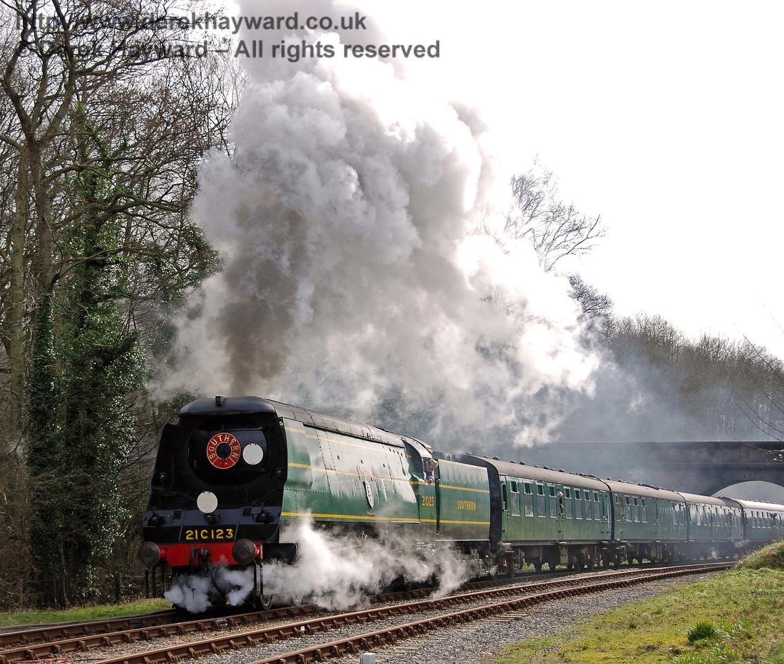 21C123 Blackmoor Vale steams north from Leamland Bridge. 10.03.2007