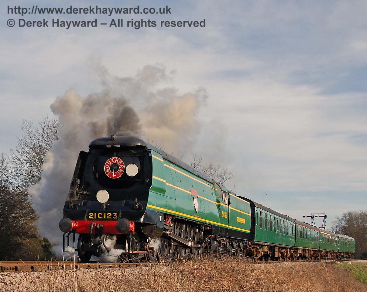 21C123 Blackmoor Vale steams north towards Ketches Halt. 10.03.2007