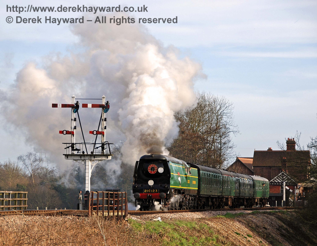 21C123 Blackmoor Vale leaves Sheffield Park. 10.03.2007