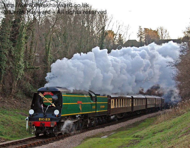 21C123 OVS Bulleid emerges from West Hoathly tunnel with a Christmas Pullman. 16.12.2007