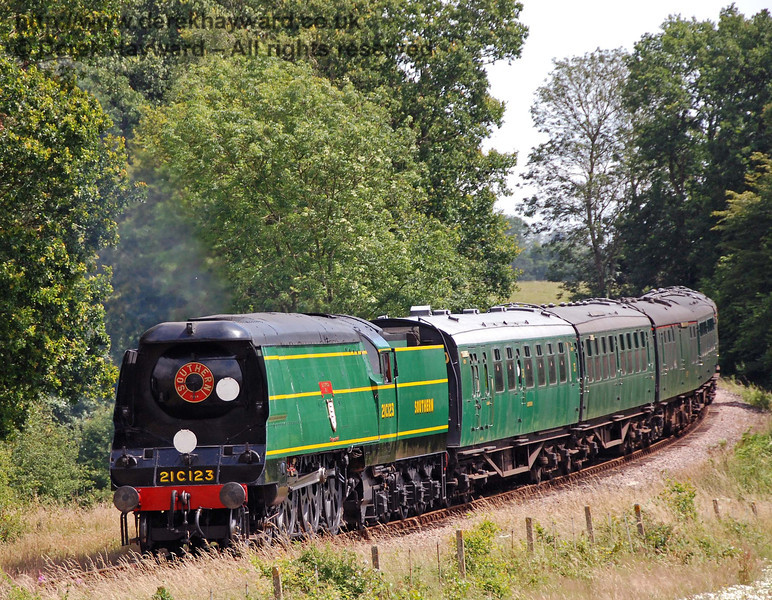 21C123 Blackmoor Vale rounds the curve north of Sloop Bridge. 14.07.2007