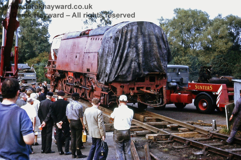 Unloading Blackmore Vale at Sheffield Park on Wednesday 29 Septmber 1971.  On it's way down the ramp.....   Eric Kemp retains all right to this image.