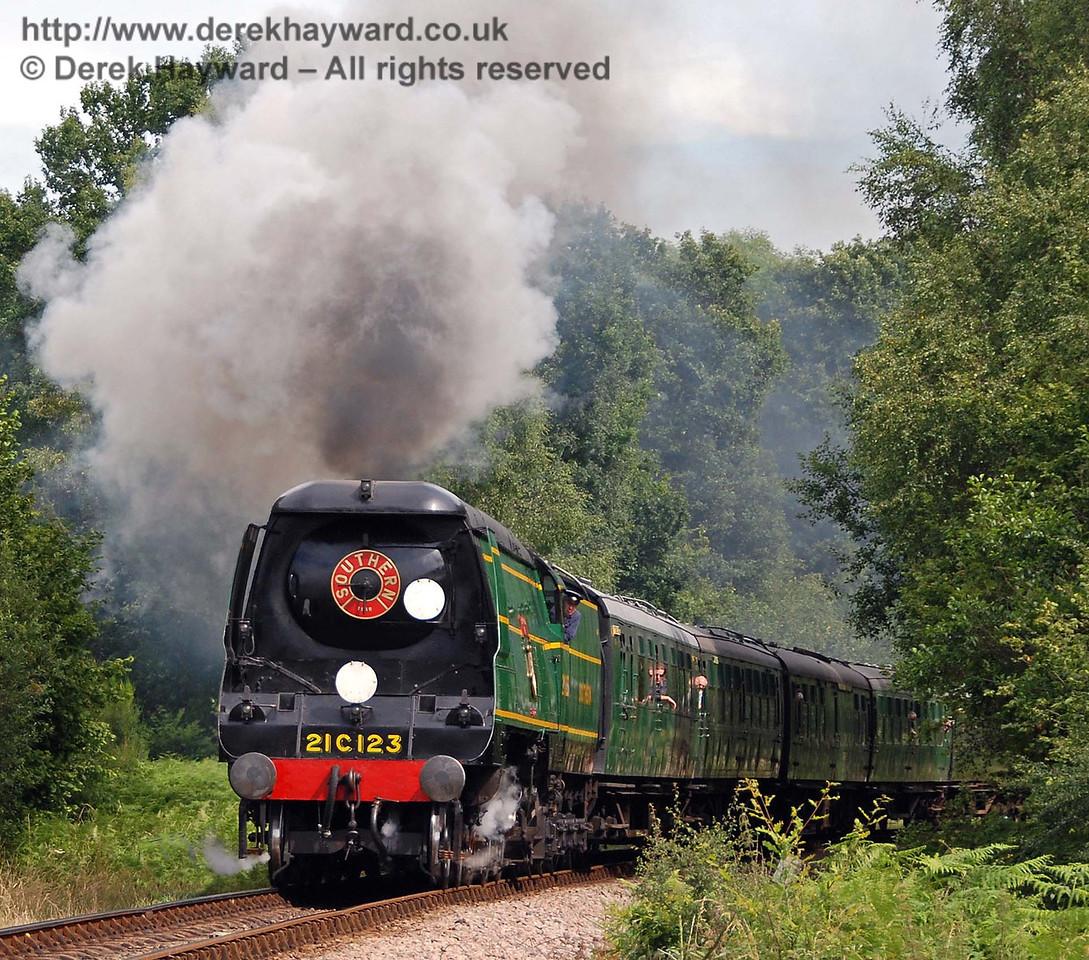 21C123 Blackmoor Vale steams north from Ketches Halt. 14.07.2007