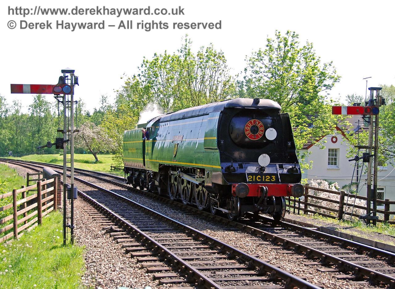 21C123 OVS Bulleid runs round at Kingscote. 11.05.2008