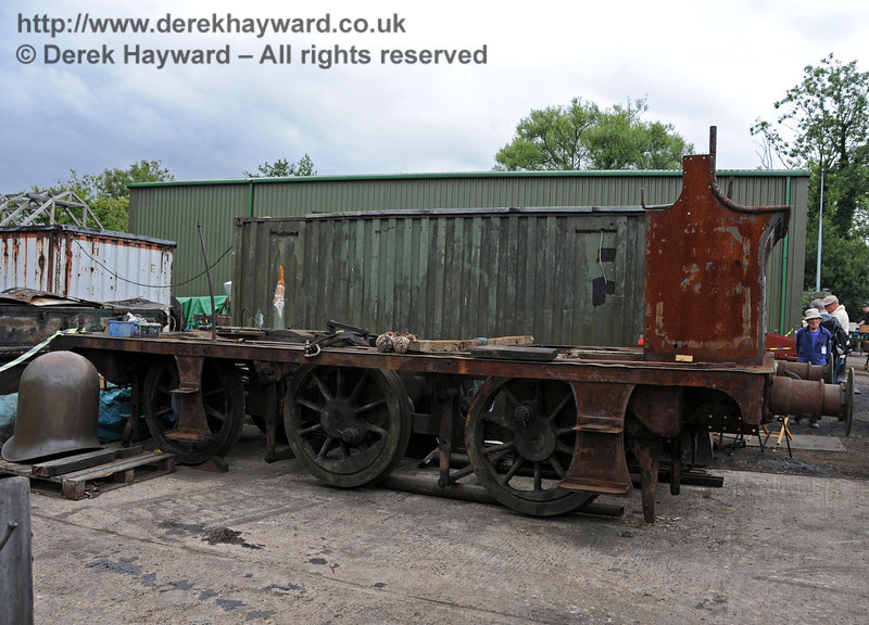 The frames from 27 have been removed from Sheffield Park Workshops, and were on display in the yard. 06.08.2010  3565