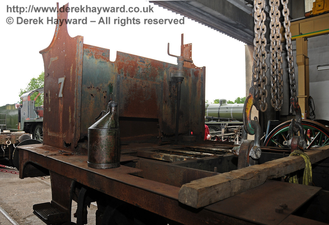 The bunker area of 27 inside Sheffield Park Workshops 07.07.2010  3003