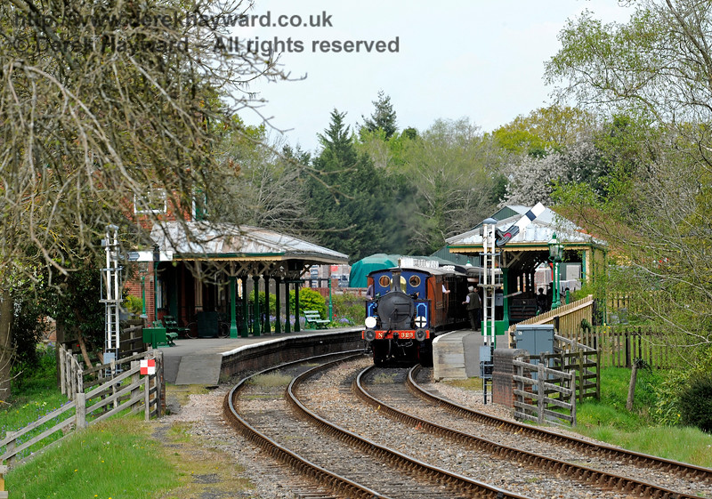 Looking north at Kingscote Station with 323 waiting to depart. 07.05.2016 12966