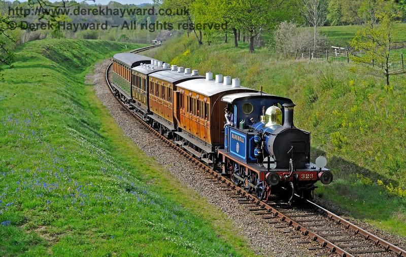 323 south of Freshfield with a service train. 07.05.2016 13032