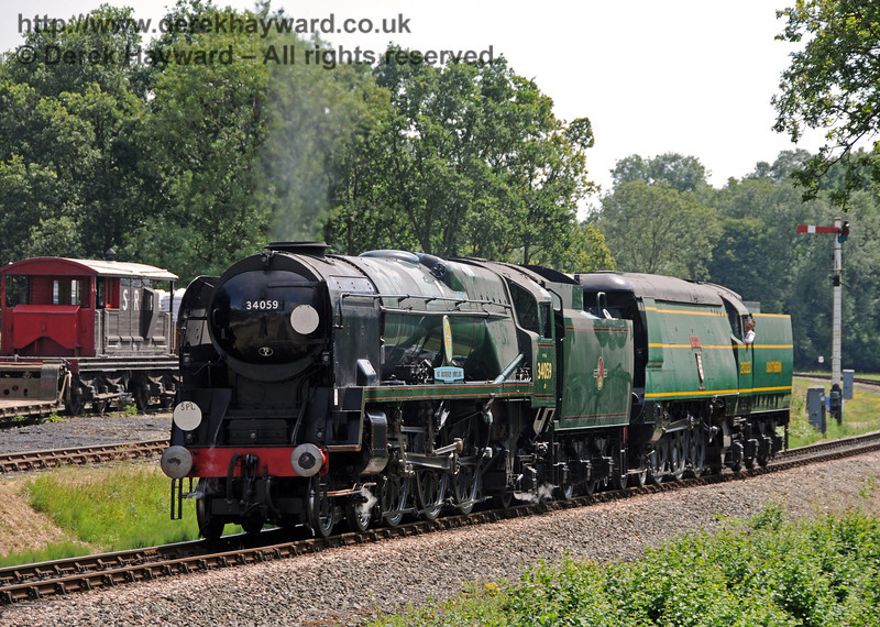 34059 Sir Archibald Sinclair hauls 21C123 Blackmoor Vale up to Horsted Keynes.  24.07.2010  3294