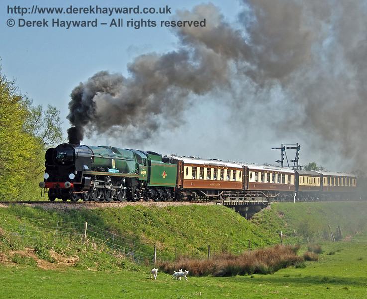 34059 Sir Archibald Sinclair creates smoke effects at Poleay Bridge. 24.04.2009  0208